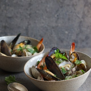 Fragrant Mussels, Clams, Shrimps {HFE}