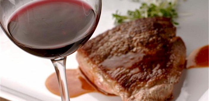 Grass-Fed Beef: Why You Should Enjoy It With Spinach and Wine