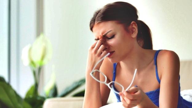 Weakened Eyesight Causes and Symptoms   How To Improve Eye Health Naturally