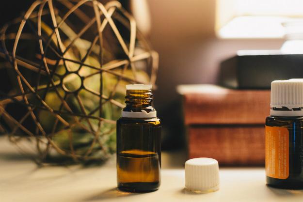 Tea Tree Oil | Natural Eye Health Care | Natural & Alternative Remedies