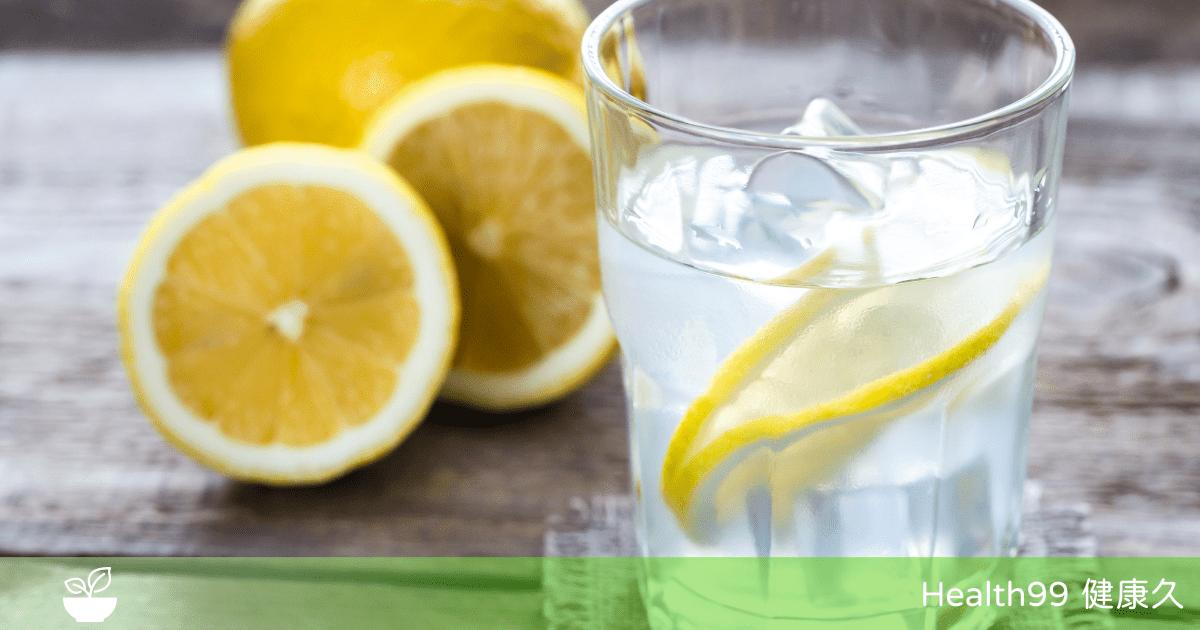 You are currently viewing 檸檬水的好處!檸檬水有助於身體的四種益處,你知道嗎?