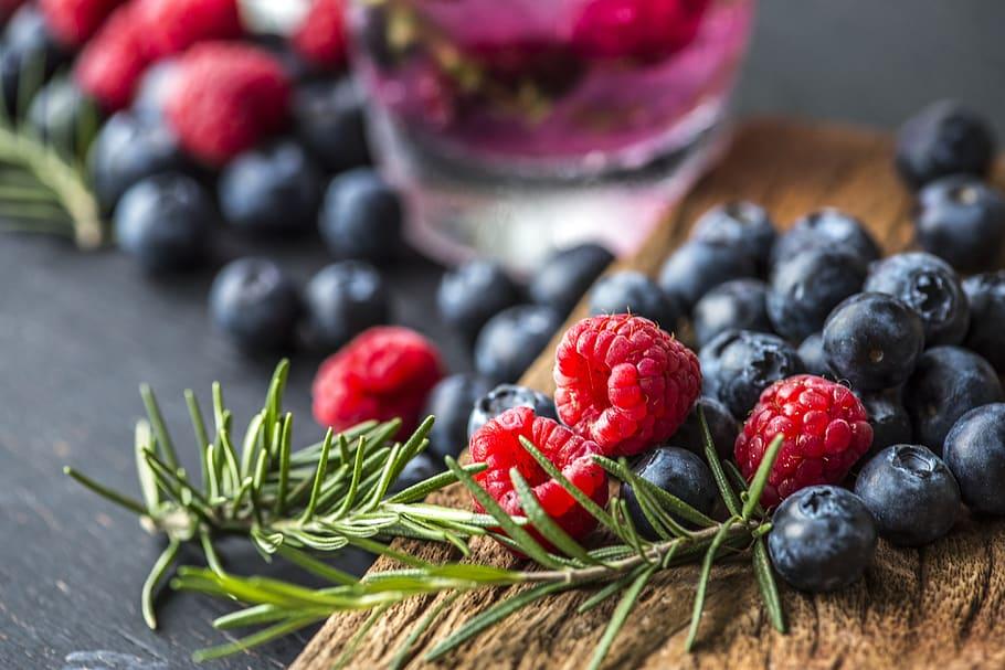 Raspberry Blueberry Detox Drink