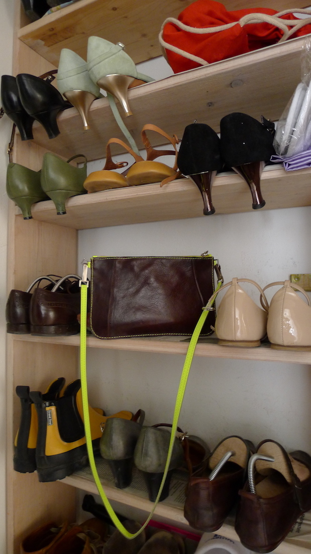 Upcycling-Ideen wie diese Tasche aus alten Lederschuhen sind etwas besonderes healthandthecity.de
