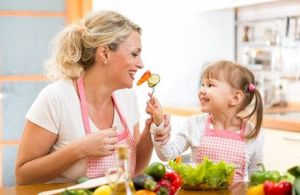 To develop healthy eating habits in a child — start early and eat your vegetables
