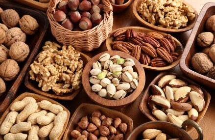 Eating Nuts Associated with Lower Risk of Heart Disease