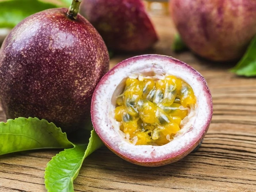 7 suprising health benefits of passion fruit