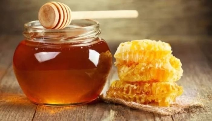 7 health benefits of honey on an empty stomach