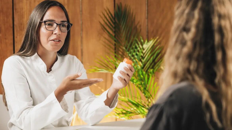Dietitian Recommending Dietary Berberine Supplements