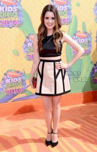 kids-choice-awards-2014-laura-marano-red-carpet__oPt