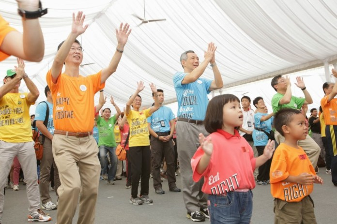 PM Lee Hsien Loong doing the Great Singapore Workout at NHLC 2012