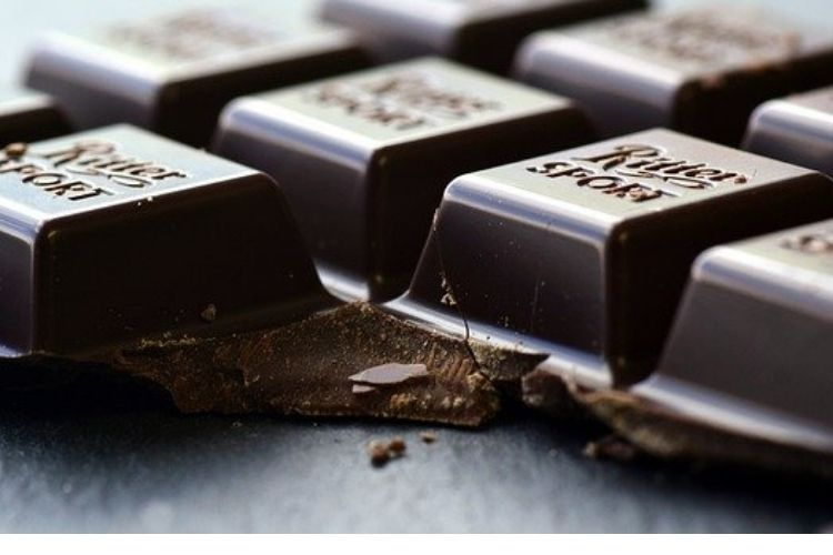 morning to eat chocolate