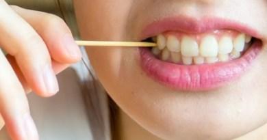 दांतों के बीच फंसा है खाना तो हो सकती है ये गंभीर बीमारी