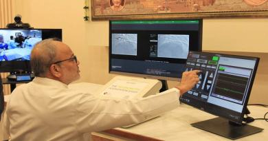 गुजरात: ऑपरेशन थिएटर से 32 किलोमीटर दूर बैठे डॉक्टर ने की 'टेलीरोबोटिक कोरोनरी' सर्जरी