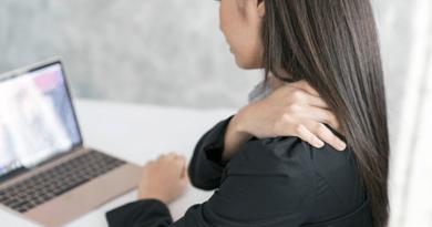 कंधे या गर्दन में लंबे समय से है दर्द, तो इलाज में न बरतें लापरवाही