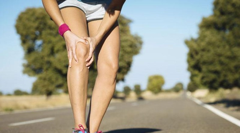 सर्दियों में लगातार हो रहा है घुटने में दर्द, तो हो जाए सावधान...बढ़ सकती है परेशानी