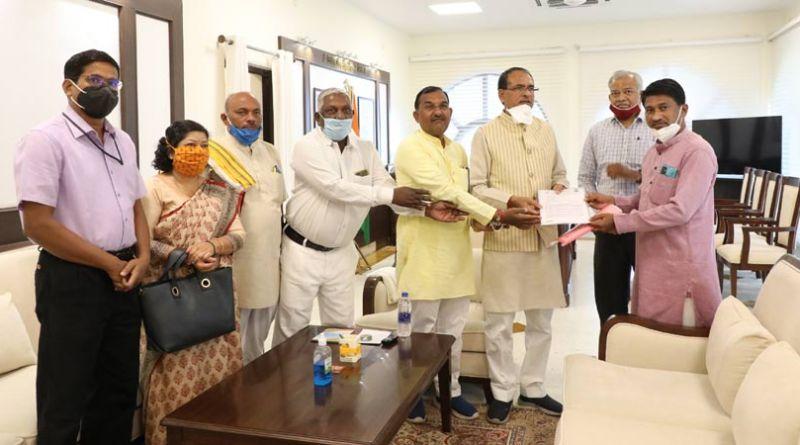 मुख्यमंत्री श्री चौहान से जनजाति सुरक्षा मंच के प्रतिनिधि मंडल ने भेंट की