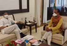 मुख्यमंत्री श्री चौहान से राज्यसभा सदस्य श्री सिंधिया ने सौजन्य भेंट की