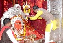 मुख्यमंत्री श्री चौहान ने माँ तुलजा भवानी और माँ चामुंडा माता मंदिर में पूजा-अर्चना की
