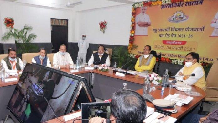 रतलाम-मुंबई-दिल्ली एक्सप्रेस-वे पर मेगा इंटीग्रेटेड टेक्सटाईल रीजन विकसित होगा : मुख्यमंत्री श्री चौहान