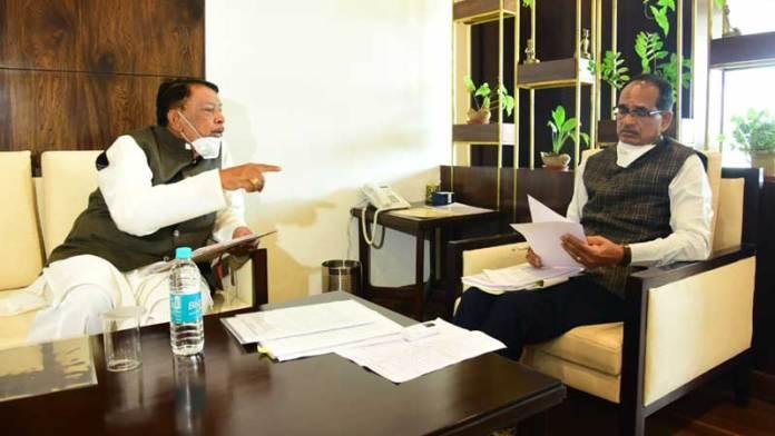 मुख्यमंत्री श्री चौहान से मिले खाद्य मंत्री श्री बिसाहूलाल सिंह