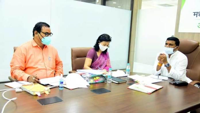 कोरोना की रोकथाम के लिये आयुष विभाग भी जन-जागरण अभियान चलाये : राज्य मंत्री श्री कावरे