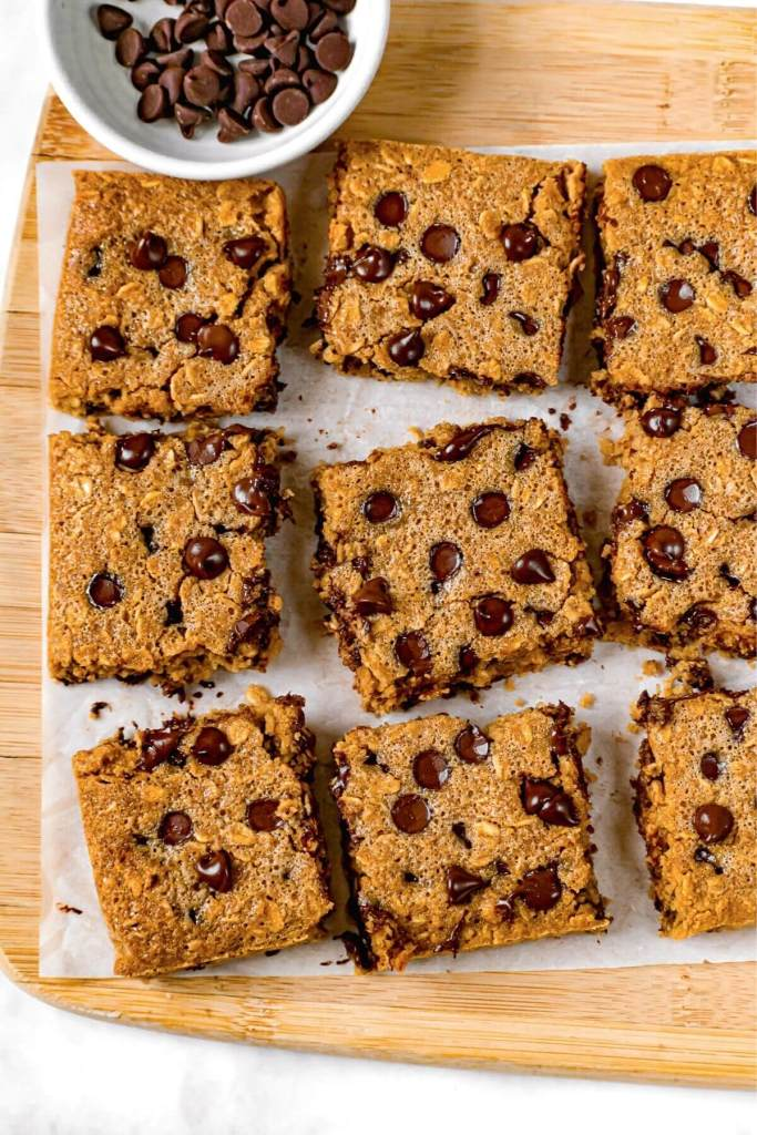 picture of oatmeal breakfast squares with chocolate chips