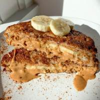 Healthy Peanut Butter Banana Stuffed French Toast