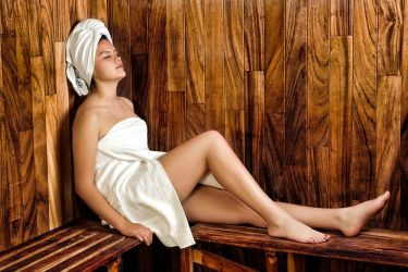 relax in the sauna