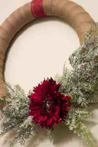 A simple and versatile DIY Christmas Wreath