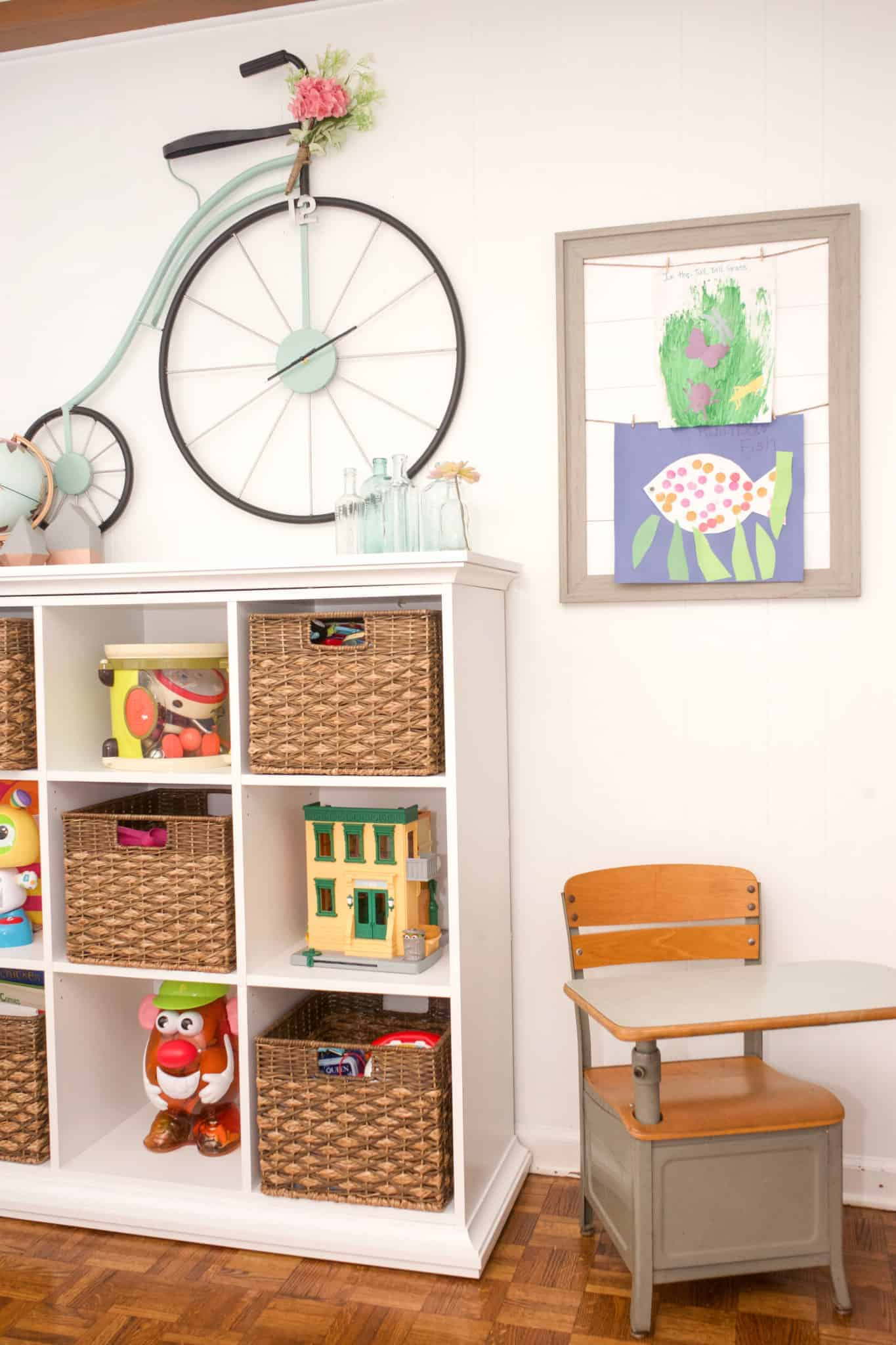 Not sure what to do with all of the artwork that your kid's bring home? This super simple DIY Kid Artwork Display will give them a place to showcase their work in your home.