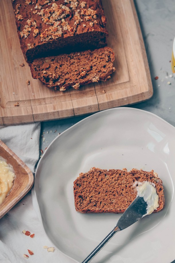 Healthy Banana Bread {Vegan & Oil-free}