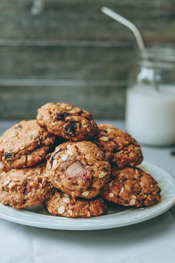 Chewy Rhubarb Oatmeal Raisin Cookies