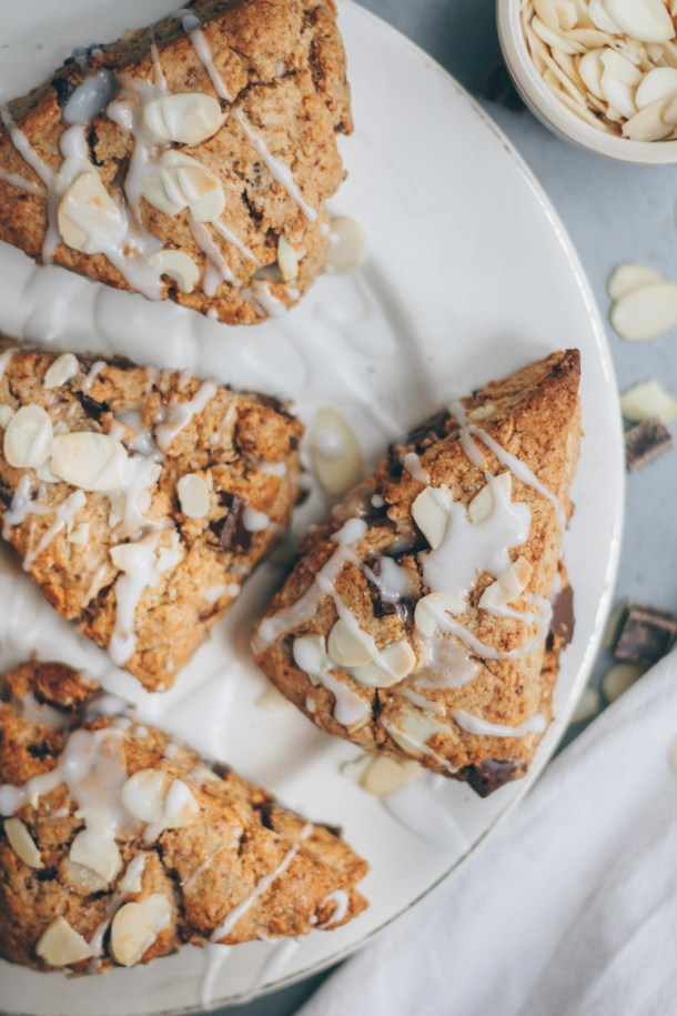 almond chocolate date scones
