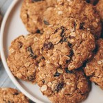 vegan oatmeal raisin cookies