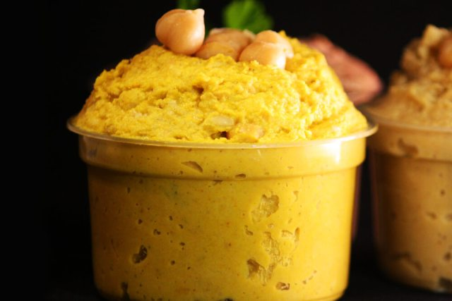 Kichererbsen Hummus mit Curry
