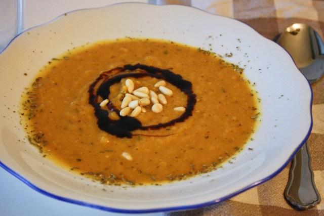 Kürbissuppe mit Zimt und anderen Gewürzen