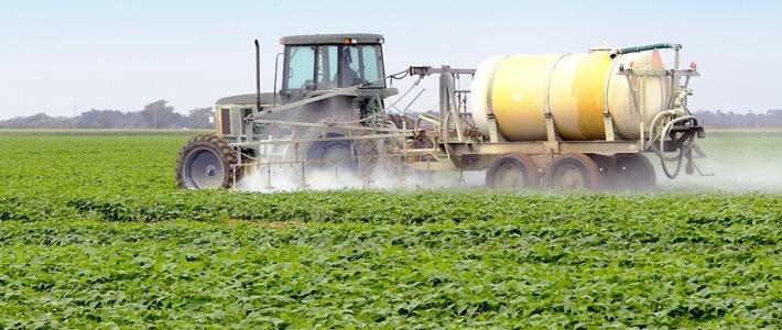 Spraying-Pesticides-herbicides