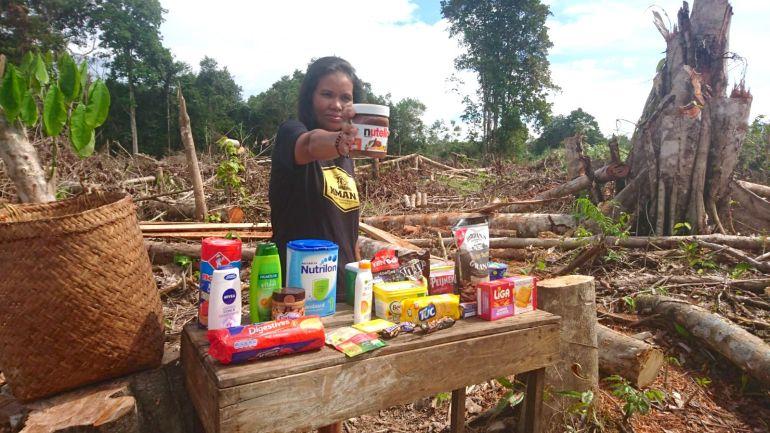 aandacht voor palmolie draw the line milieudefensie