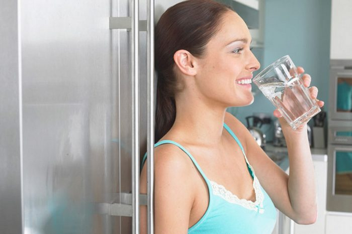 lose weight after 50-drinking water
