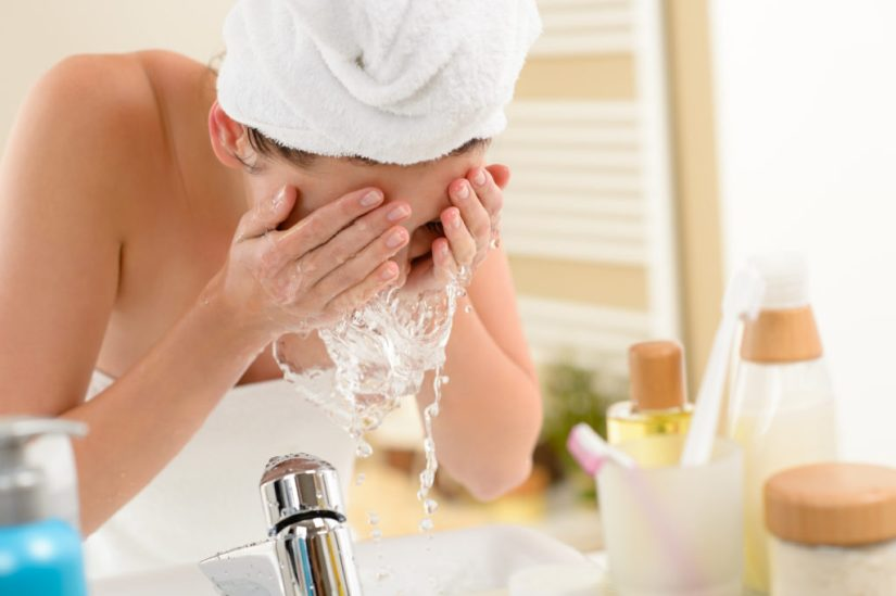 how-to-wash-your-face-dermatologist-routine-1024x682