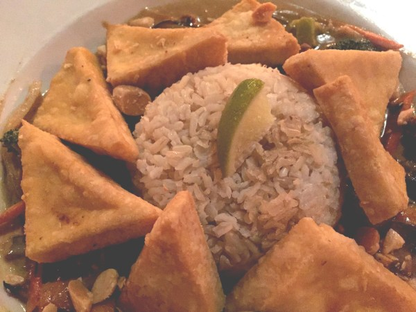 Crispy tofu thai curry