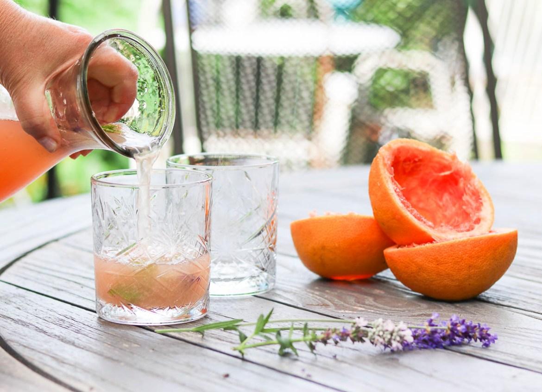 Zomerse_Grapefruit_lavendel_juice_schenk