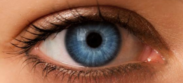 Smart Photonic Contact Lens Diagnoses Diabetes