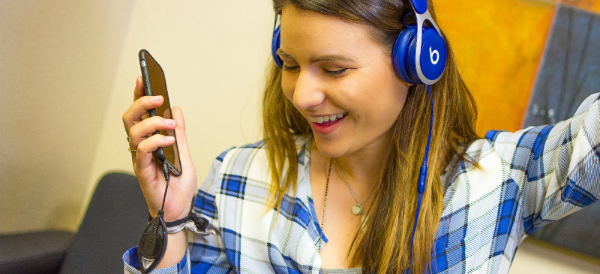 Surrounding Awareness Alert Enables Headphone Isolation