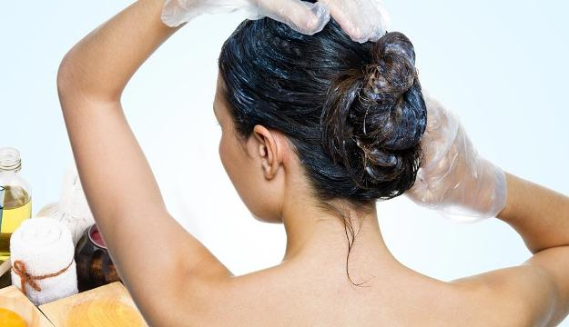 Applying the Egg mask to your hair