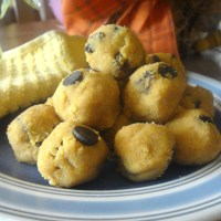 No-Bake Pumpkin Cookie Dough Balls (Paleo)