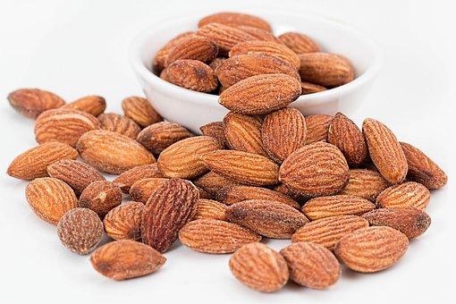 almonds-1768792__340