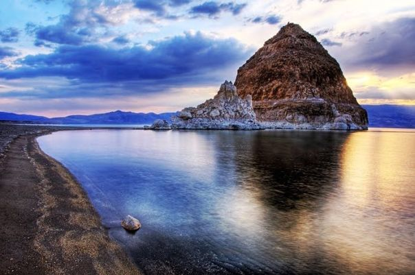 pyramid lake from water