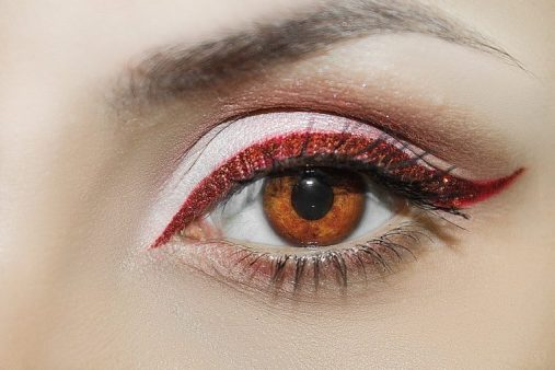 things you do that could be hurting your eyes