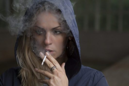 Bad effects of smoking to the eyes.